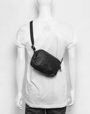 Qwstion - Hip Bag