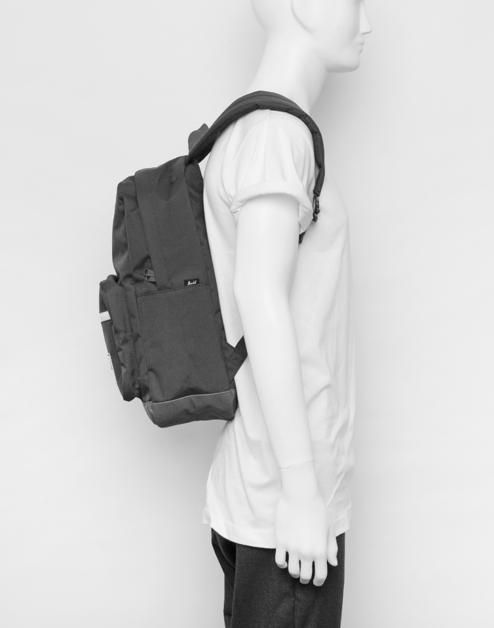 Mestský batoh Herschel Supply Pop Quiz